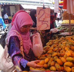 Chow Kit Mango Woman